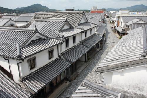 White Wall Cityscape (Ajisu residence Japanese storehouse style)