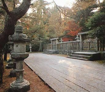 Grave of Mori family the Lord of Hagi Domain (Kozan grave)