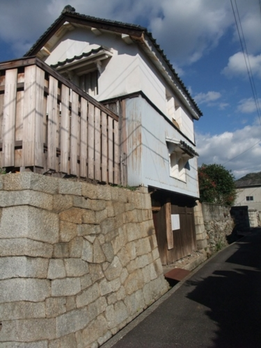 Masasuke Yamatoya's boathouse .