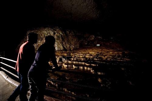 아키요시동굴 어둠의 로망 탐험