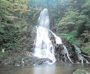 Akiyoshi Waterfall