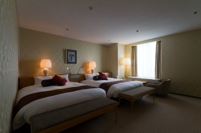 2. ANA Crown Plaza Hotel Ube