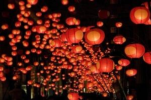 1. เทศกาลยามากุจิเทศกาลทานาบะตะโคมไฟ
