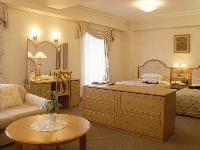 2. Hotel New Tanaka