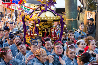 3. Hofu Tenman-gu Shrine God good luck festival (nude Bo festival)