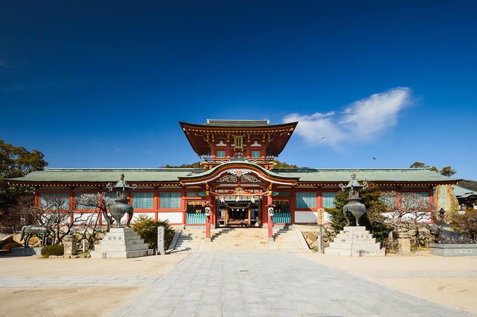 1. ศาลเจ้าโฮฟุเท็นมังกู