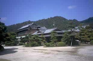 2. 모리박물관 (구 모리 가문 본저)