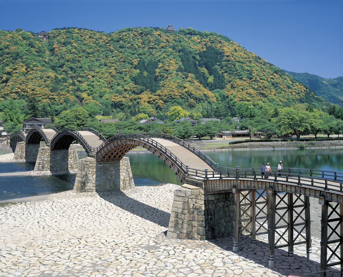 1. 긴타이쿄 다리