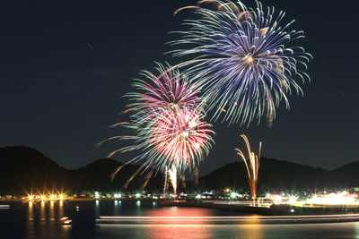 2. Mitarai Bay Fireworks Festival