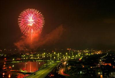2. Nagato Senzaki Fireworks Festival