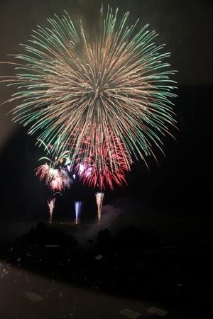 3. Akiyoshidai Plateau Sightseeing Festival and Fireworks Festival